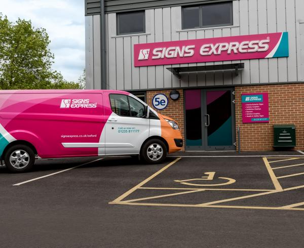 Sign Express Oxford 1 002